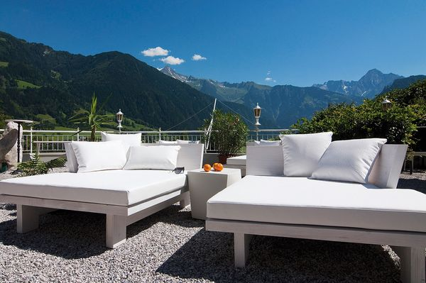 terrasse im hotel stefanie alpenhotel stefanie hippach. Black Bedroom Furniture Sets. Home Design Ideas